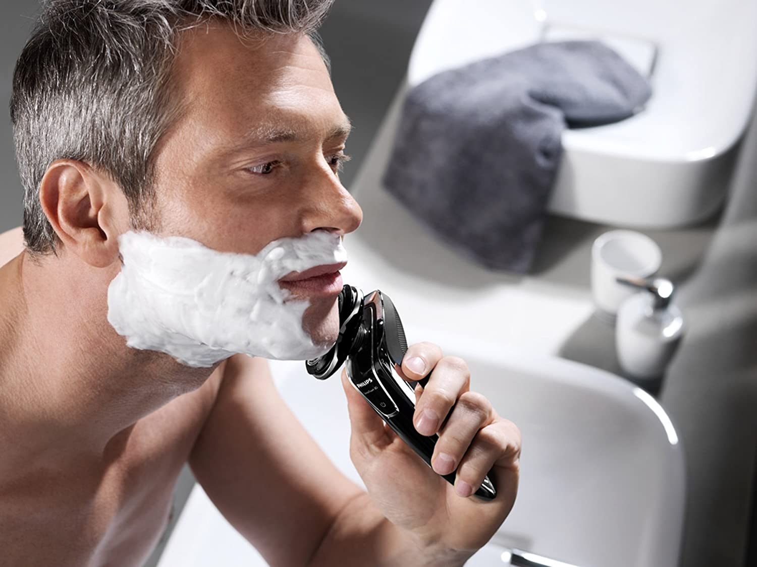 Mens Electric Razors for Sensitive Skin