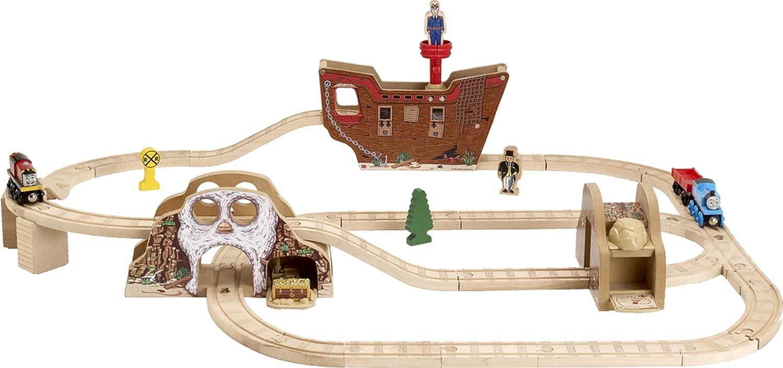 Amazon.com: Thomas And Friends Wooden Railway - Pirates Cove Set ...