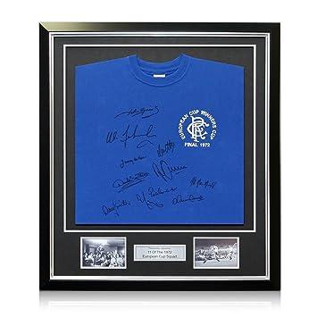 Camiseta de fútbol de los Rangers firmada por el equipo de 1972. enmarcado