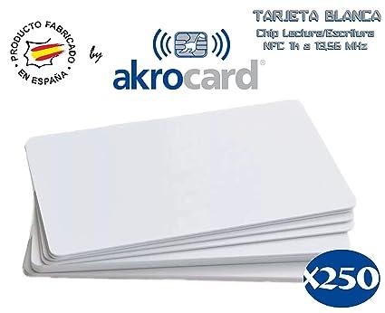 Pack 250 - Tarjeta PVC Blanca con Chip Lectura/Escritura NFC 1k a 13,56 MHz (RFID) ISO 14443 A/B - EEPROM 1 Kbyte - Tamaño ISO estándar: 85,7 x 54 mm. ...