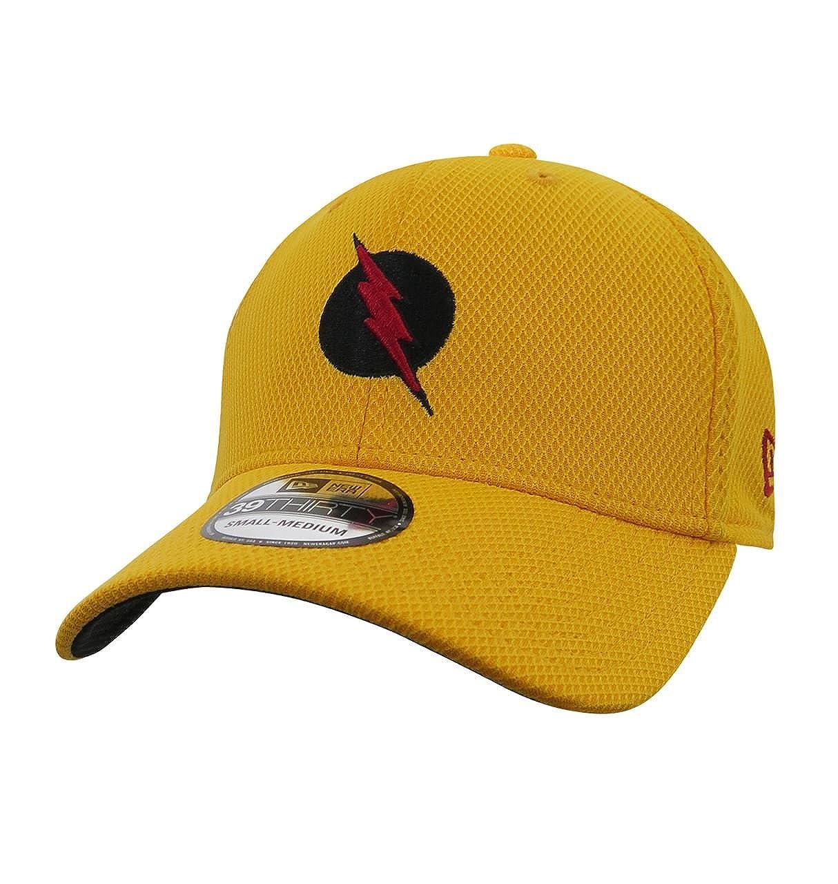Amazon.com  Reverse Flash Logo 39Thirty New Era Fitted Hat  Clothing 932720eb5b0