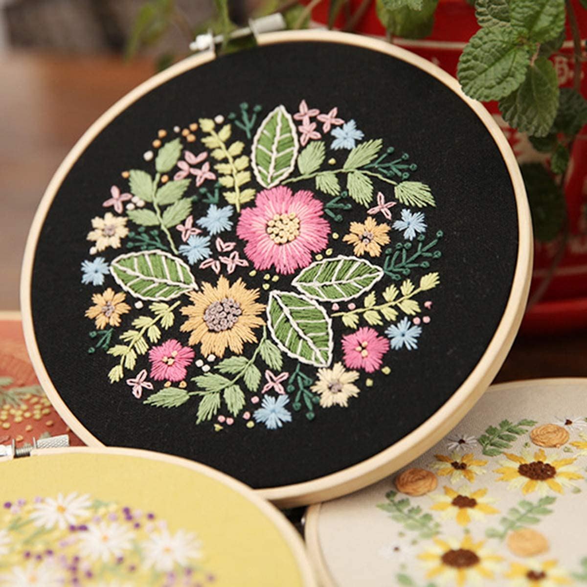 Tools puseky 2 Set of Embroidery Starter Kit Floral Cross Stitch Kit for Beginners Adults Kids Patterned DIY Material Package Embroidery Cloth Bamboo Hook