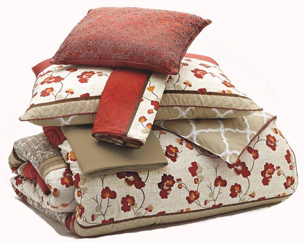 Ashley Furniture Signature Design - Cayenne Bedding Set - Queen Size - Reversible - Set of 5 - Rouge