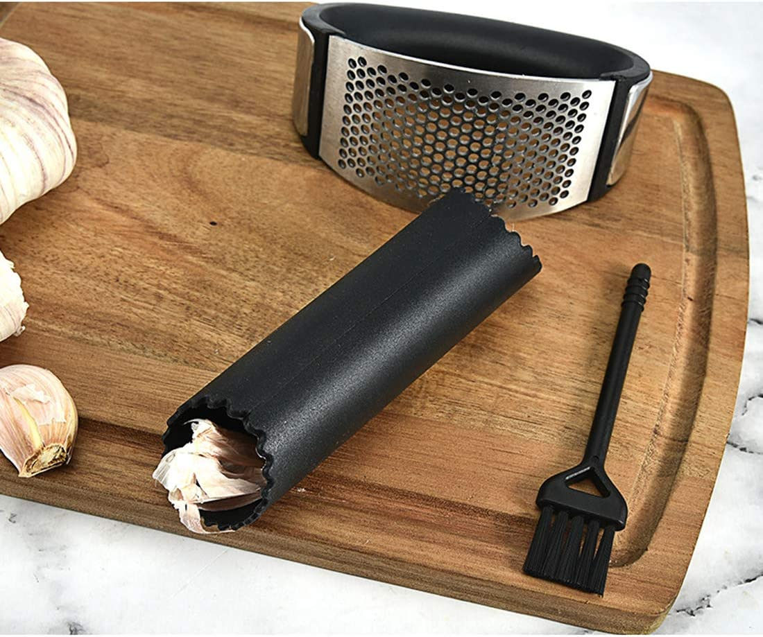 Garlic Press Set Handled Garlic Mincer Garlic Crusher Chopper Manual Silicone Roller Peeler and Cleaning Brush Mincer Garlic Crusher