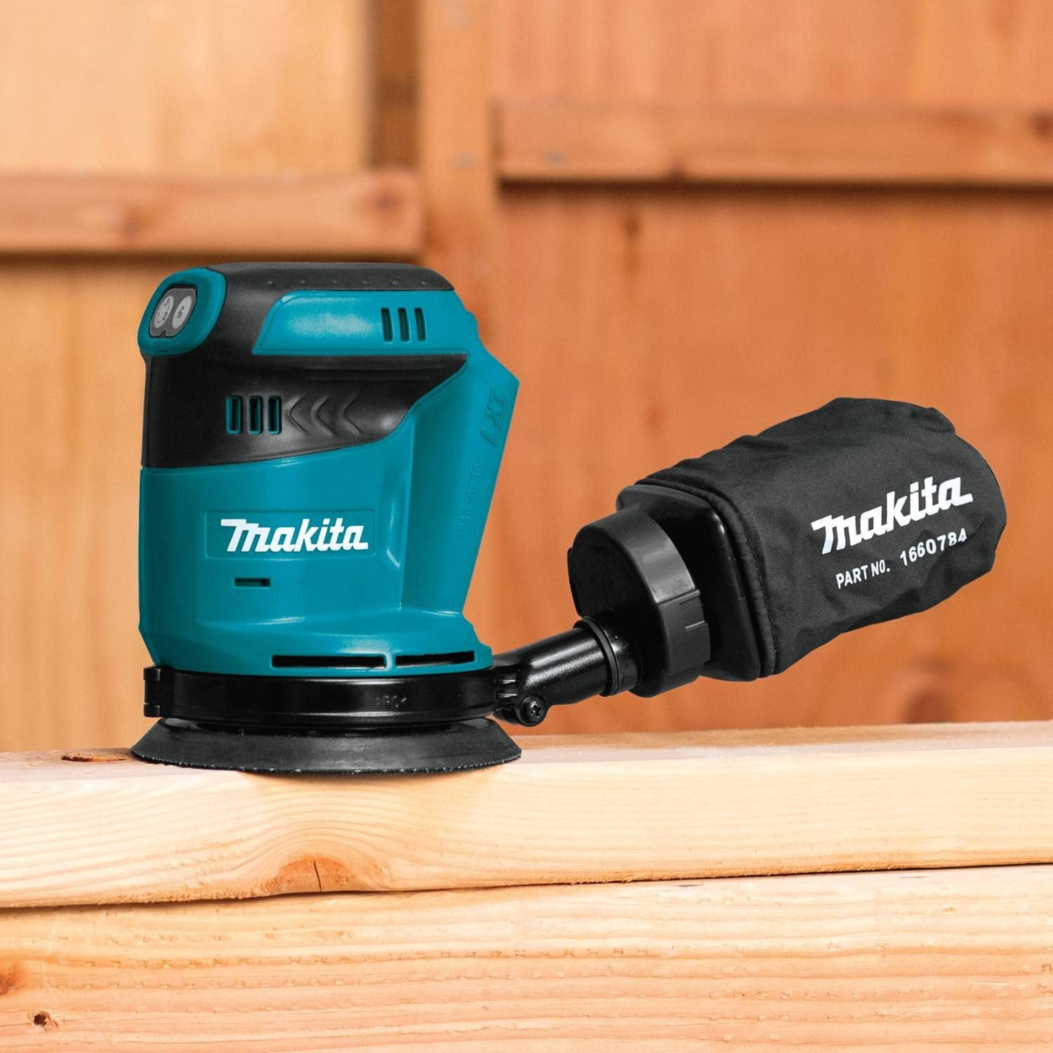 Makita XOB01Z featured image 6