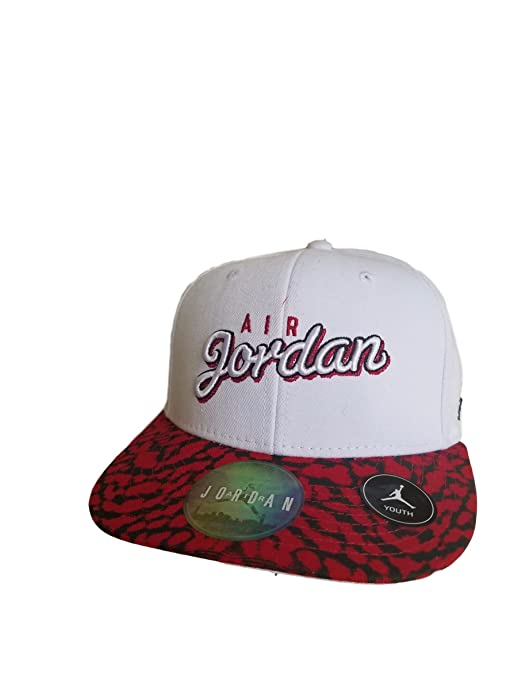 Amazon.com  Nike Jordan Kids  Wings Snapback Cap 9A1763-001  Sports    Outdoors a502fba667e
