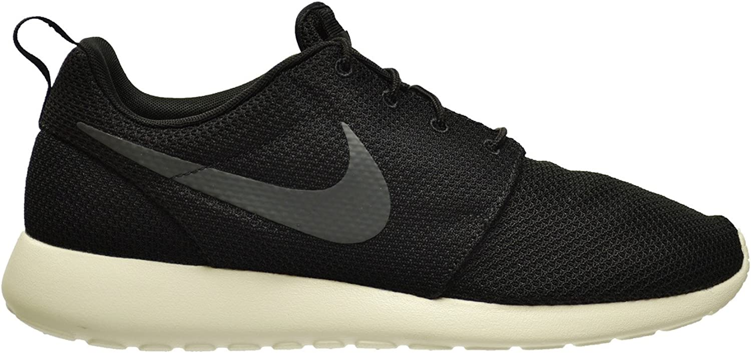 Nike Men s Rosherun Black Anthracite Sail Running Shoe