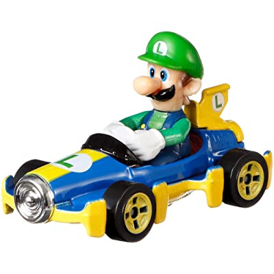 Hot Wheels GBG27 Mario Kart Luigi, MACH 8 Vehicle, Multicolour: Toys & Games