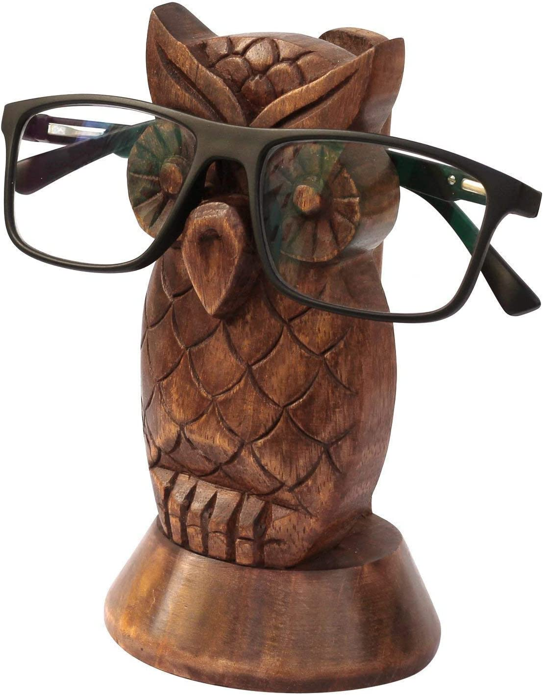 If your dad is a book lover, this eyeglasses holder is a cool gift for him. This handmade holder is designed in the shape of an owl that is so cute and elegant. Your father can put his glasses on it and save time looking at them when he wants to start reading books. Besides the function of holding glasses, it can be a good decoration to refresh your dad's bookshelf.