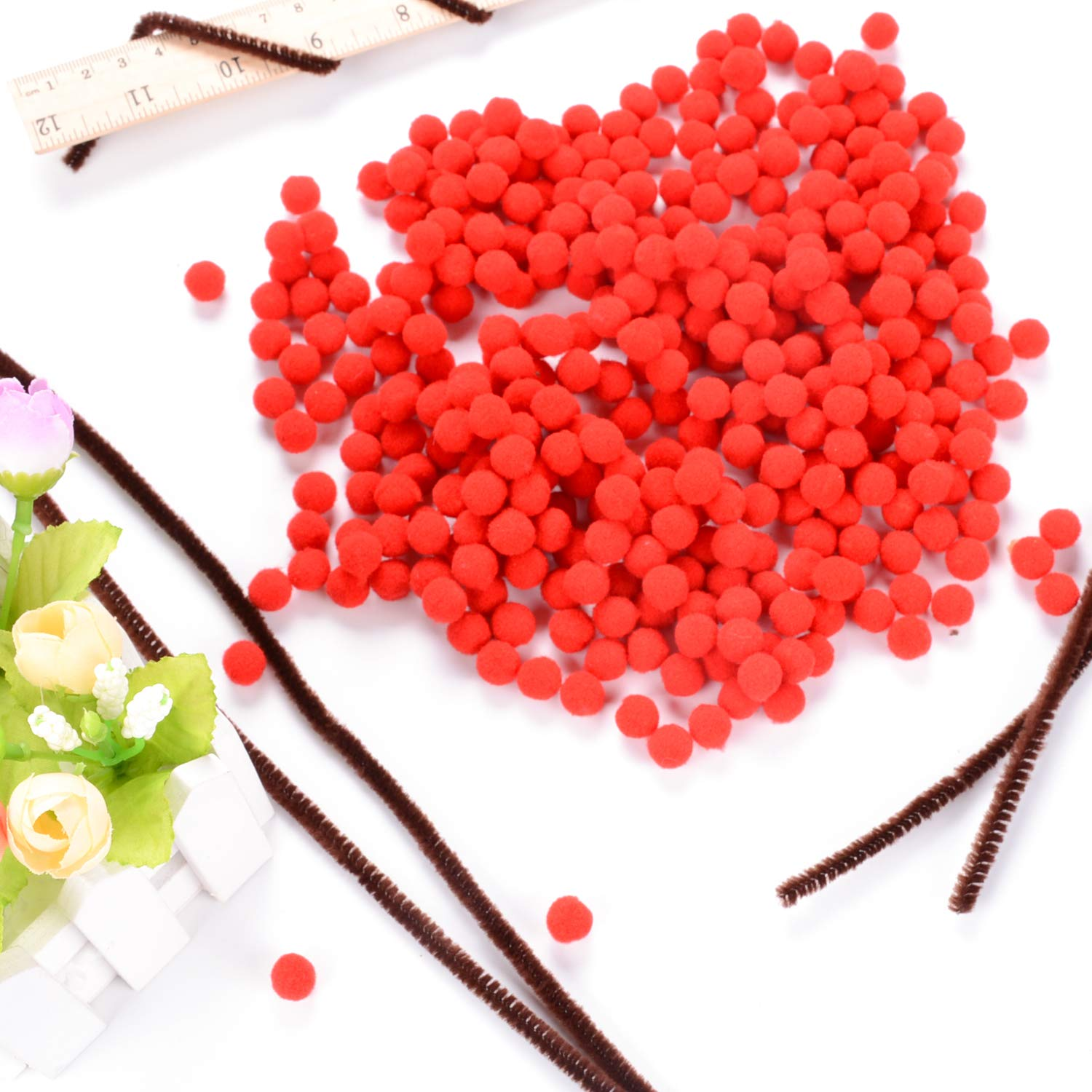 eborder 100 Pieces Christmas Brown Pipe Cleaners Chenille Stems and 300 Pieces Red Pom Poms Pompoms for Christmas Crafts
