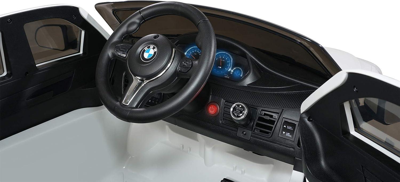 innenraum von einem bmw kinderauto