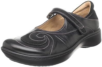 Amazon.com: Naot Women s mar Mary Jane plana: Shoes