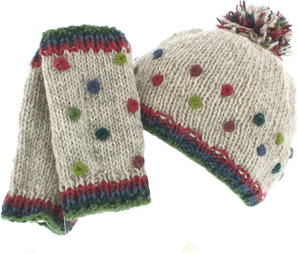 Pachamama Montpellier Bobble Hat /& Handwarmers Matching Set