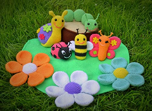 Amazon.com: Amigurumi Pattern for a Bee, Ladybug and Flowers (Easy ... | 366x500