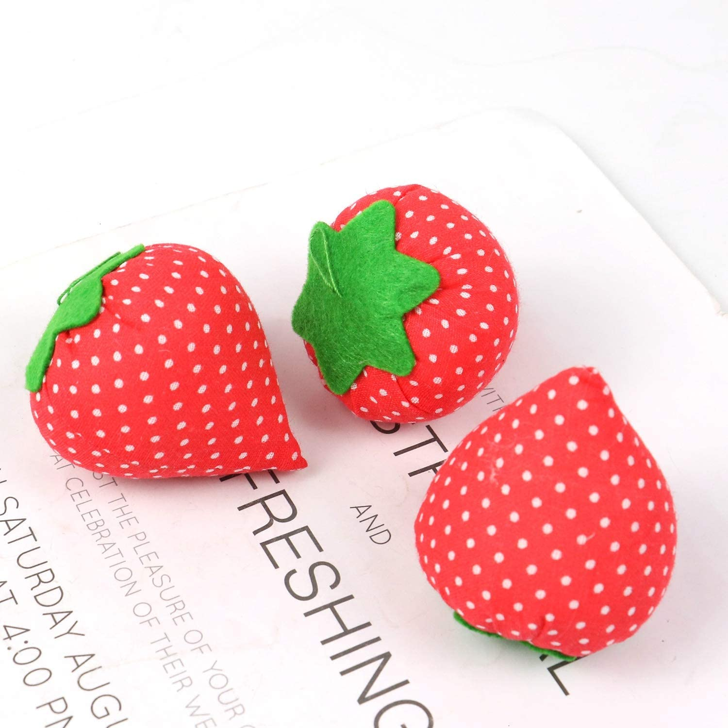 Strawberry Sewing Needle Pin Cushion for Sewing. WEFOO 5pcs Pin Cushion