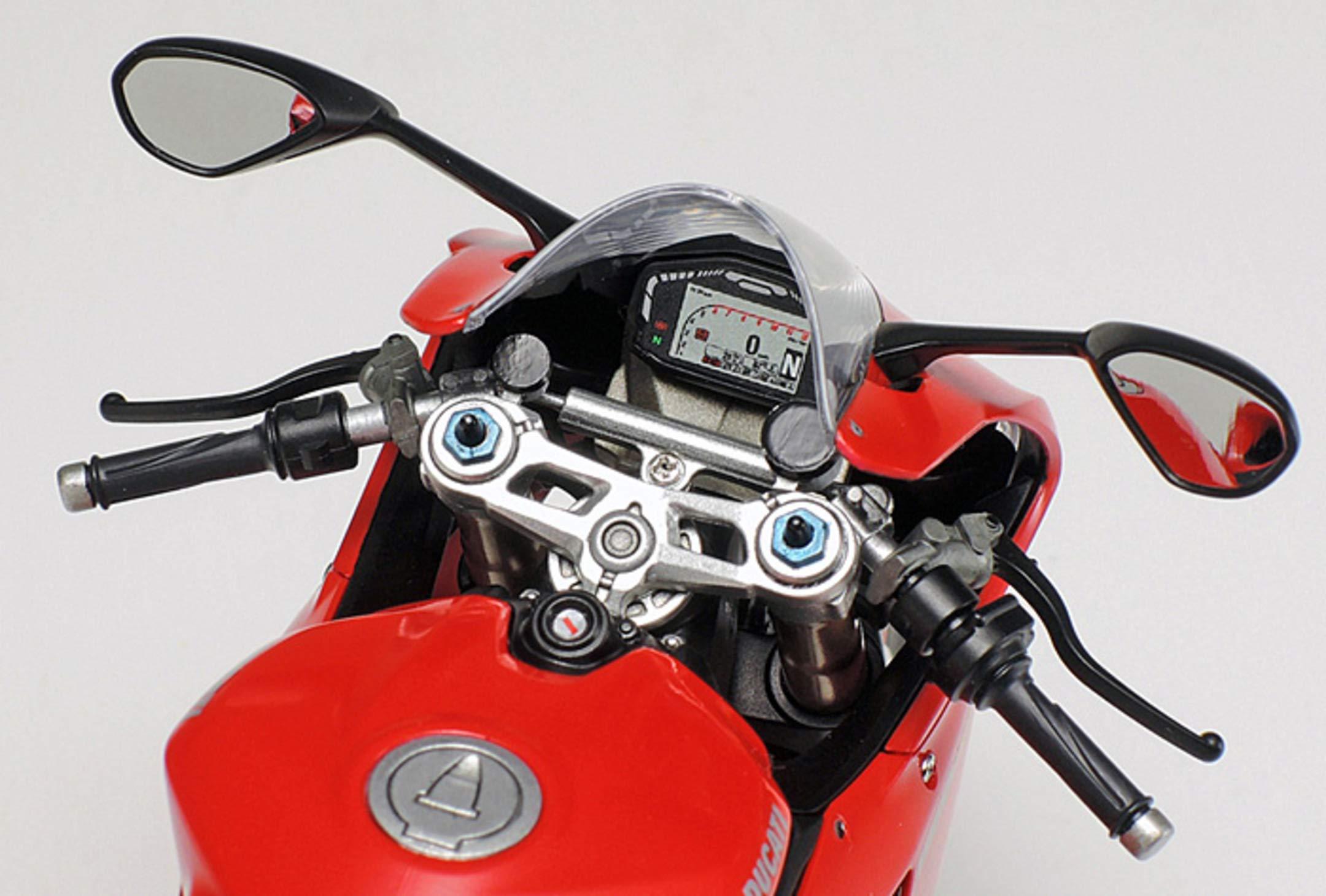 Tamiya 14129 1:12 Ducati 1199 Panigale S Model 8