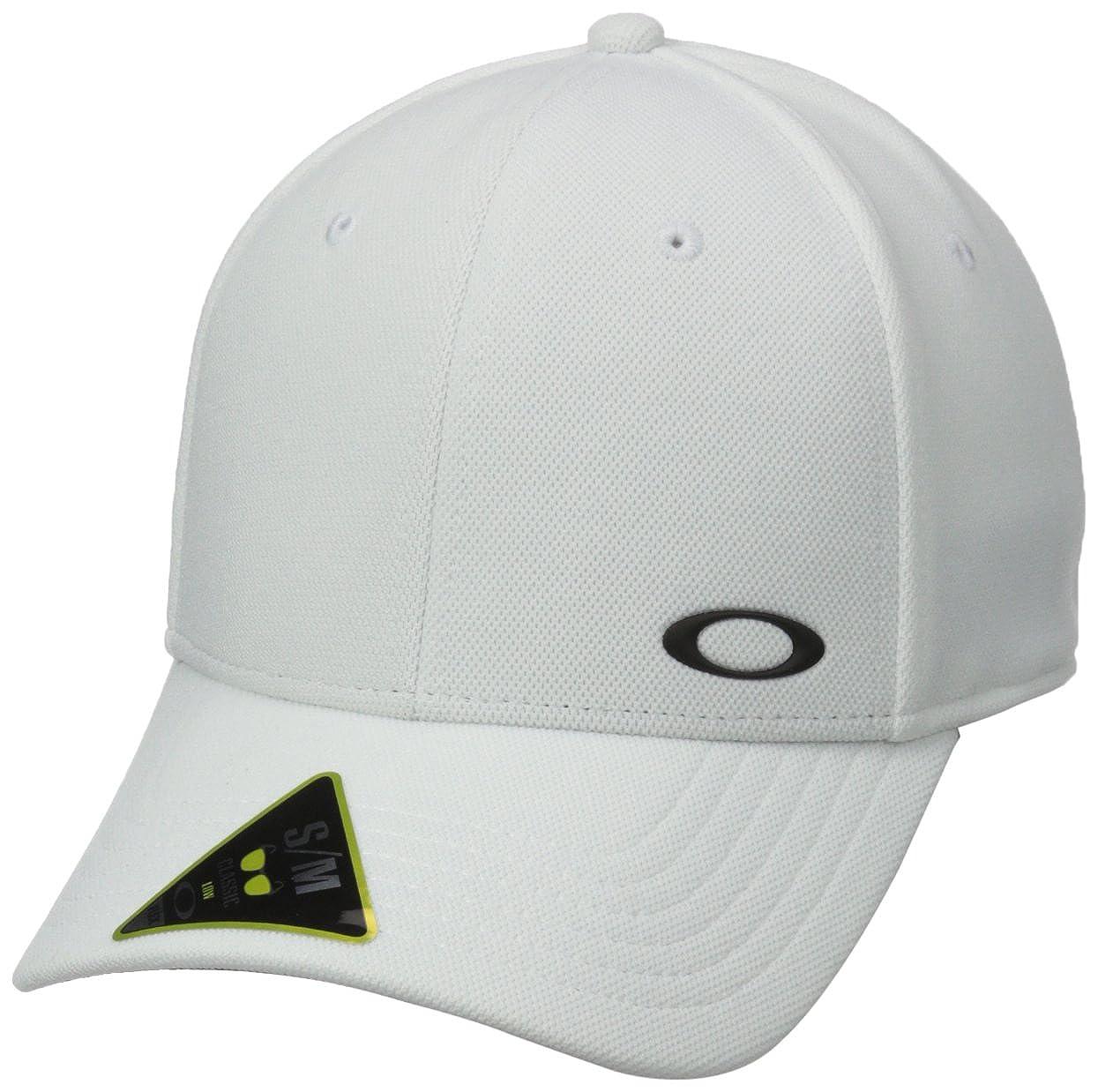 a0c4190e01e Amazon.com  Oakley Men s Silicon Ellipse  Clothing