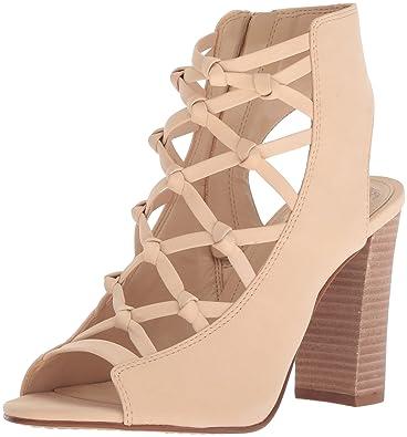 0b71cea1598 Amazon.com  Vince Camuto Women s Stesha Heeled Sandal  Shoes