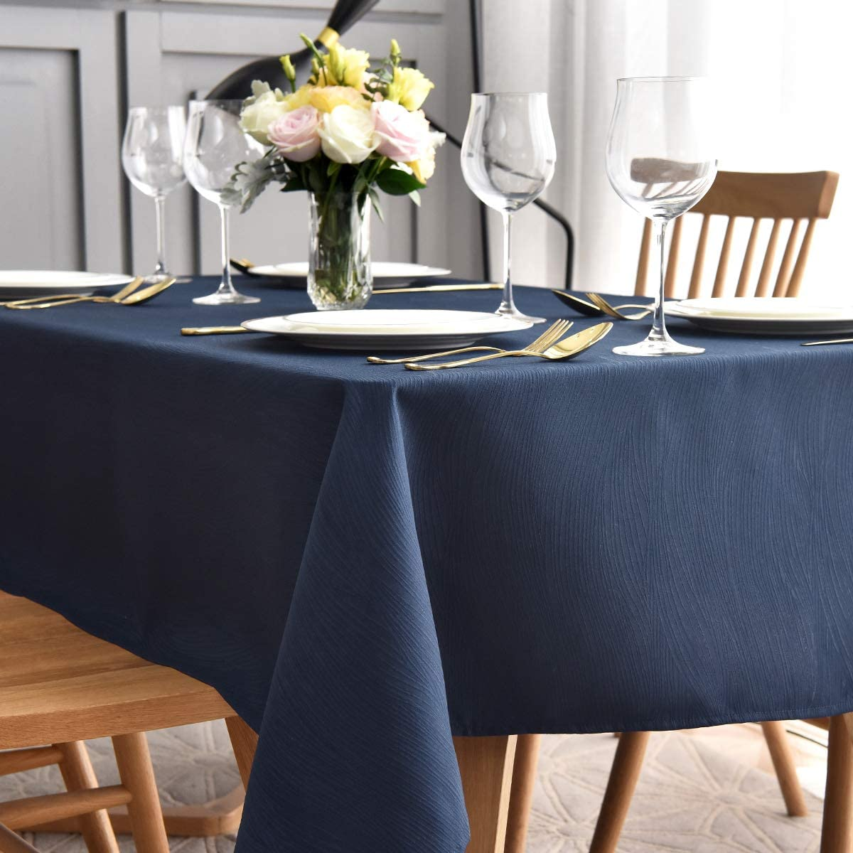 maxmill Jacquard Table Cloth Swirl Pattern Spillproof Wrinkle Resistant Oil Proof Heavy Weight Soft Tablecloth for Kitchen Dinning Tabletop Decoration Outdoor Picnic Rectangle 52 x 70 Inch Navy Blue