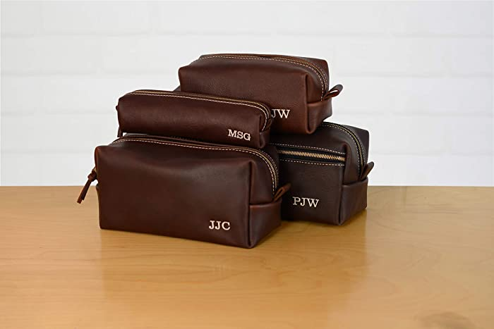 Personalized Leather Dopp Kit Groomsmen Gift   Monogram Leather Mens  Toiletry Bag Wash Bag Travel Case   Arizona Leather Gift for Husband Dad  Grad Boyfriend ... fabcb1ea3d