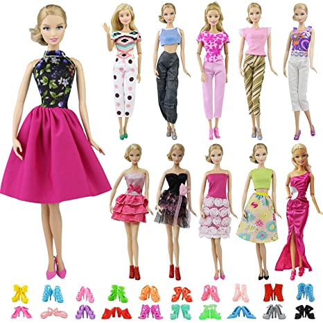 a14c81c3a1dd4 Amazon.com  ZITA ELEMENT 20 Items   10 Sets Fashion Clothes Dress Bundle 10  Shoes for 11.5 inch Doll Outfits - Random Style Outfits Accessories for  11.5 ...