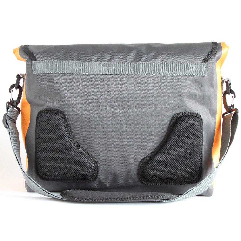dcb58555a8 Amazon.com  Aquapac Stormproof Messenger Bag 026  Sports   Outdoors