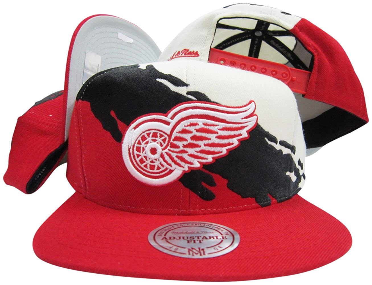 8550f629e0f Amazon.com  Mitchell   Ness Detroit Red Wings Snapback Adjustable Plastic  Snap Hat Cap  Clothing