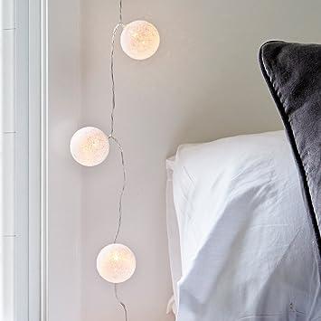 Lights4fun Guirlande Lumineuse LED à Piles avec 10 Boules de Coton Blanc  Chaud 985cadef31c0