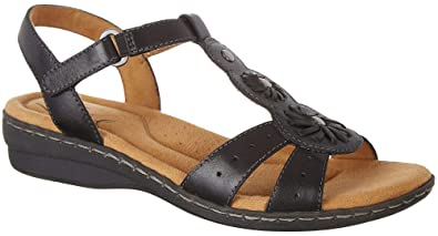 f5abadb90c46 Naturalizer Natural Soul Womens Barroll Sandals 5 Black