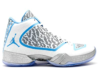 on sale 82655 316bc Amazon.com   Air Jordan Ultimate Gift of Flight Pantone Pack Retro Xi Men s  - 717602-900 - Size 9   Basketball