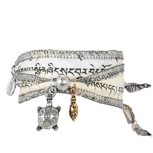 """""""Wind Turtle"""" - Pulsera de deseos y de la suerte, hecha con banderas de oración tibetanas. La tela de algodón de calidad es imprimida con mantras budistas. Una idea de regalo original para mujeres"""