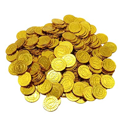 100pcs Pirates Gold Coins Plastic Currency Toy Game Props Chips Playset Party Favor Bitcoin for Kids (Golden): Kitchen & Dining
