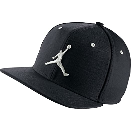 Amazon.com  Nike Mens Air Jordan Jumpman Snapback Hat Black White ... 8464368185ac