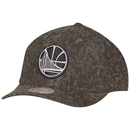2ee8c0efc02 Image Unavailable. Image not available for. Color  Mitchell   Ness Snapback  Cap - CAMO Golden State Warriors