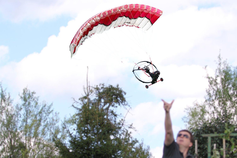 XciteRC 24000000 Paracopter Ultra-l/éger motoris/é Radio command/é ULM RC Presque pr/êt /à d/écoller Noir avec t/él/écommande 2,4 GHz