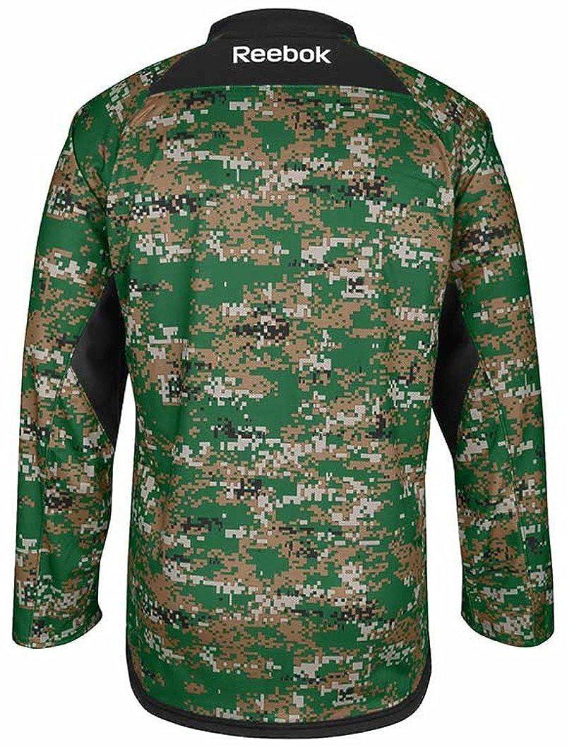 8dcc2a3dc8c Amazon.com: Reebok Chicago Blackhawks Jersey Stitched Digital Camo-10748-10753:  Clothing