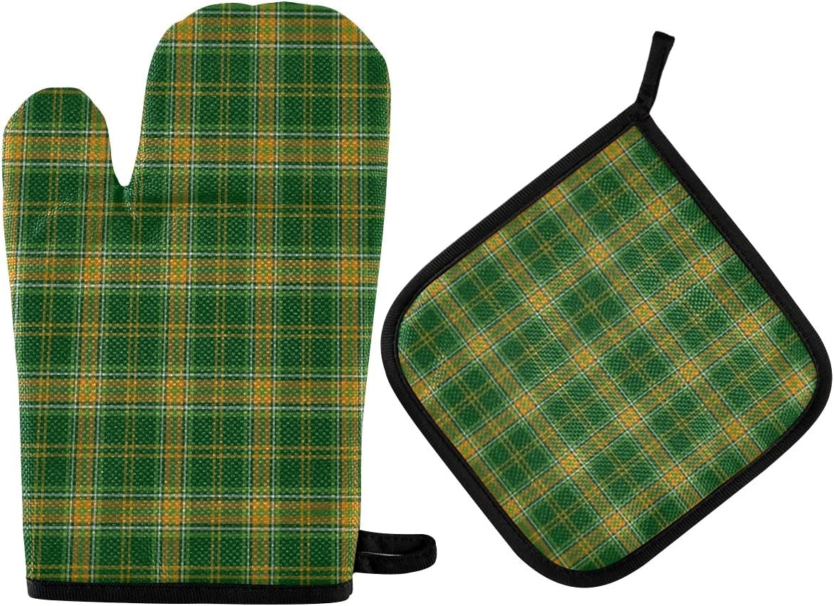 ALAZA Oven Mitts & Pot Holders, Scottish Tartan Checkered Plaid Protective Heat Resistant Kitchen Microwave Gloves for Baking Cooking Grilling BBQ