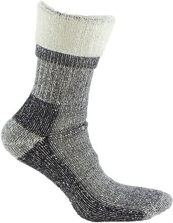 Calcetines de LANA MERINO TERMICO de TREKKING, con costuras técnicas, ideal para deportes de invierno (esquí, running, senderismo, pesca …), o situaciones de frío y humedad. También son idóneos para el uso con botas de montaña. Lana Merino.