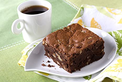 Bundle: Duncan Hines Decadent Brownies with FREE Serving Plates (California Walnut)