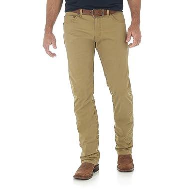 15d54467ec92 Amazon.com: Wrangler Men's Retro Slim Fit Straight Leg Jean: Clothing