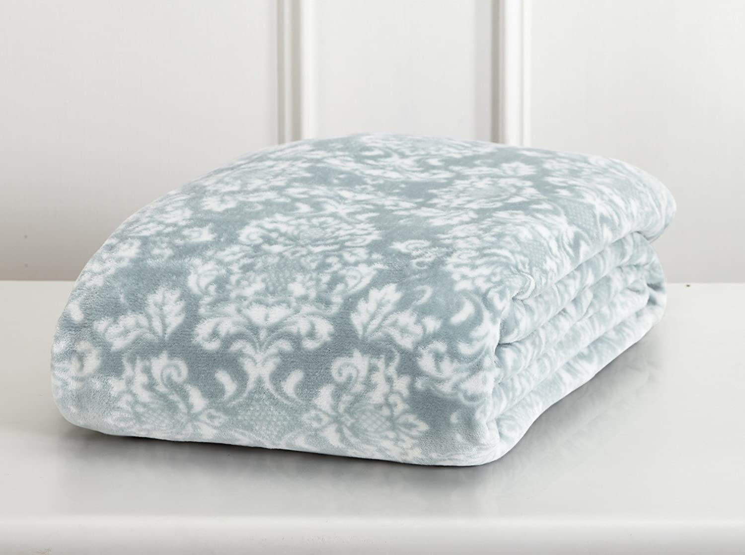 Home Fashion Designs Isabel Collection Ultra Velvet Plush All-Season Super Soft Printed Luxury Bed Blanket. Lightweight and Warm for Ultimate Comfort Brand. (Twin, Smoke Blue)