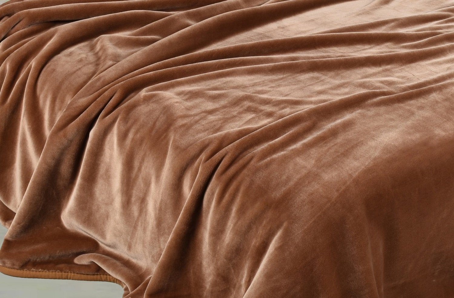 Chezmoi Collection Heavy Thick One Ply Korean Style Faux Mink Blanket 9-Pound Oversized King 105x92'' (King, Coffee)