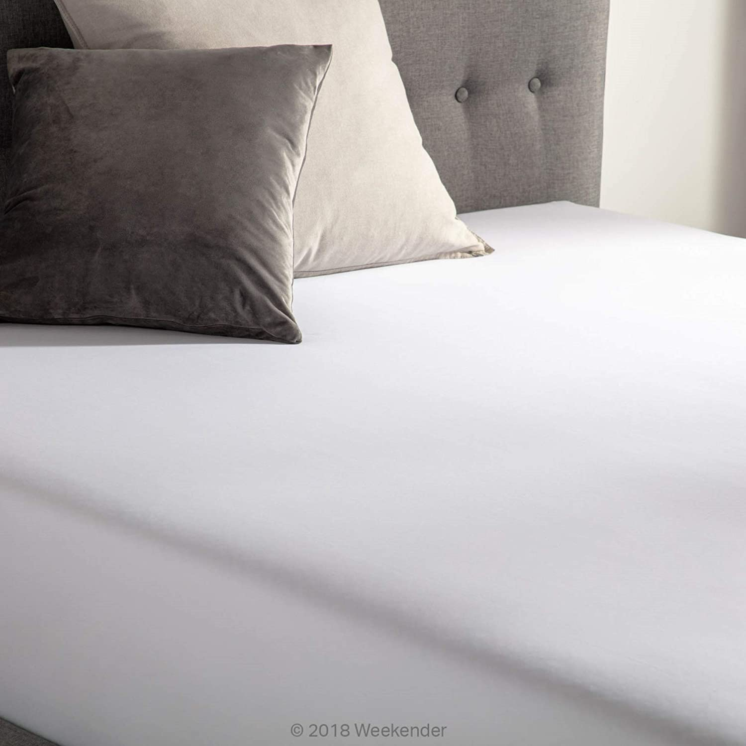 Full XL WEEKENDER 200 Thread Count Hotel Fitted Sheet White Cotton Rich Blend