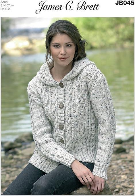 James C Brett Tejer patrón de hombres y mujeres de Aran con capucha suéteres JB214