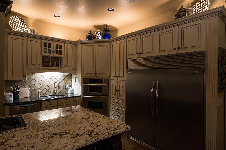 Enbrighten 41017 Seasons LED Landscape Lights (110ft.), Selectable White & Color Changing, 12 Lifetime Pucks, Wireless Remote, Outdoor, Commercial Grade, Weatherproof, Spotlight, Garden, Path Light by Enbrighten (Image #4)