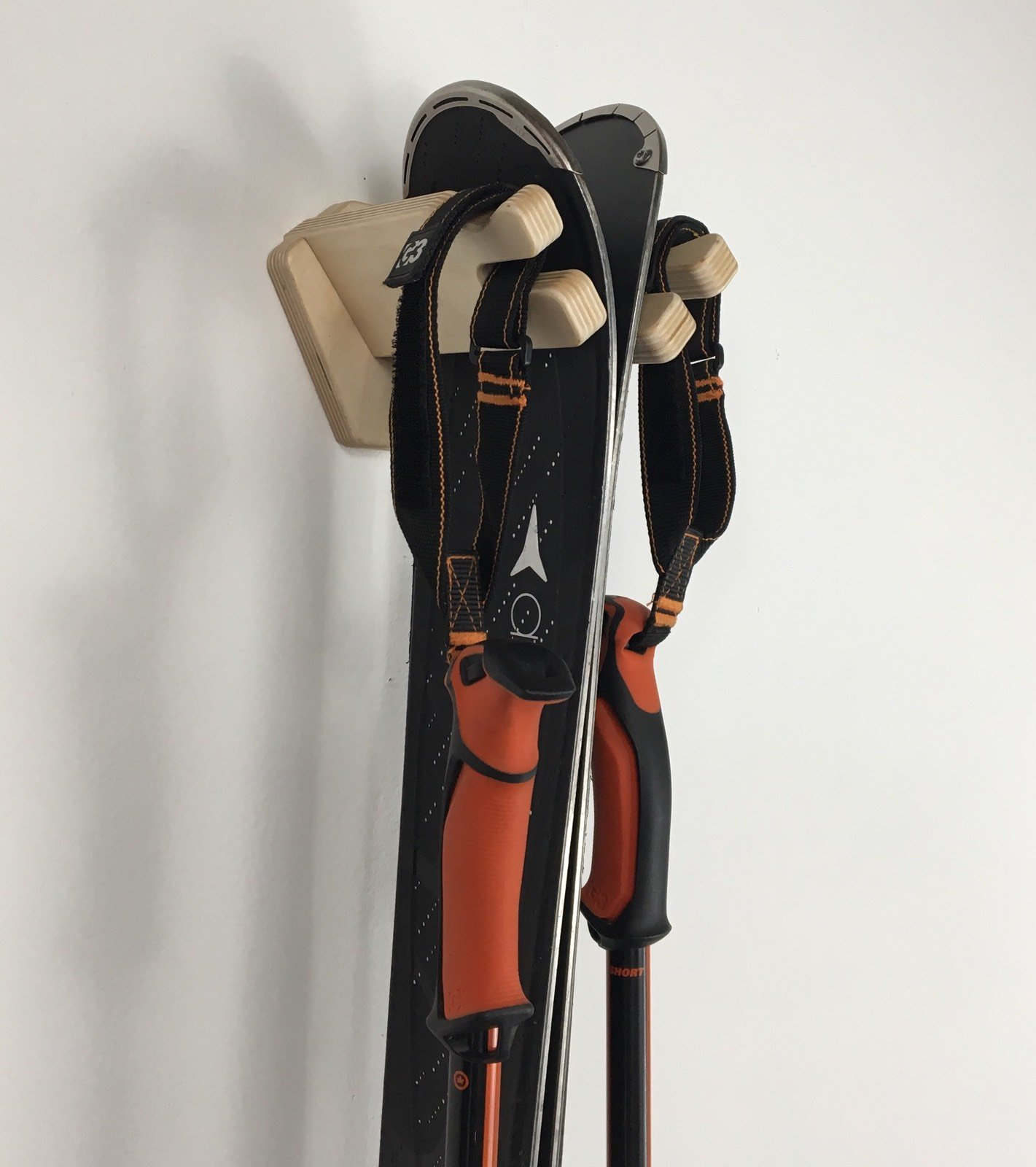 Veritcal Single Ski Wall Rack by Pro Board Racks
