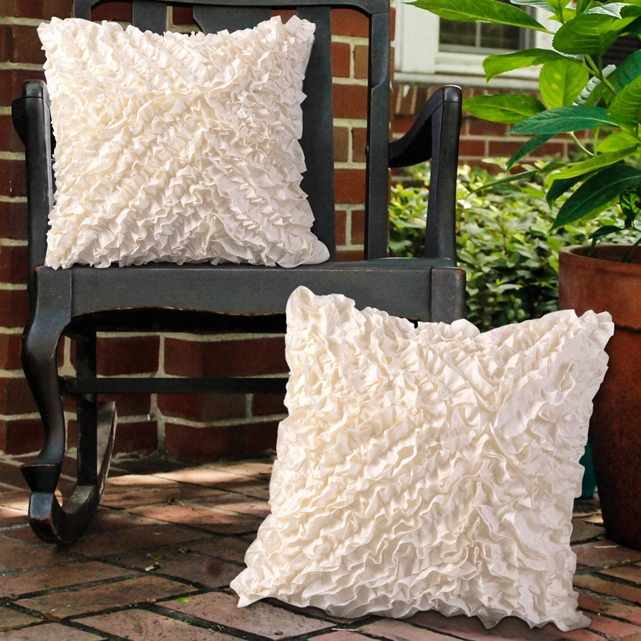 Leeden 18x18 Throw Pillow Covers Christmas (Set of 2) Decorative Square Cushion Cases Cover for Sofa Couch Bed Chair Car Bedding Home Décor Floral Soft Farmhouse Handmade 18 Inches (45x45cm)
