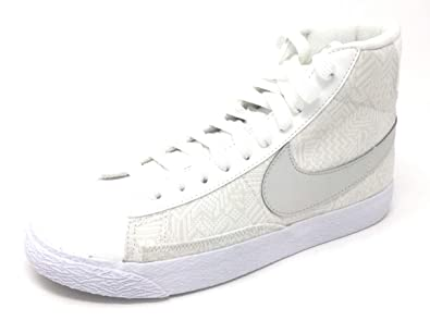 huge selection of 70171 d2862 Amazon.com | Nike Blazer Mid Se (GS) Summit White/Light Bone ...