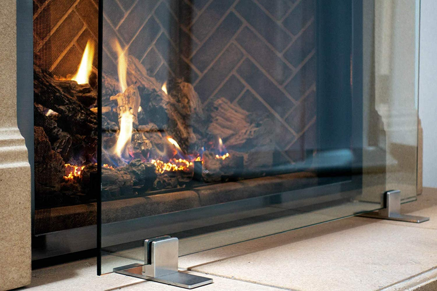 Amazon Com Manhattan Modern Free Standing Glass Fireplace Screen Clear Stainless Steel Feet Small 36 X 26 Home Kitchen