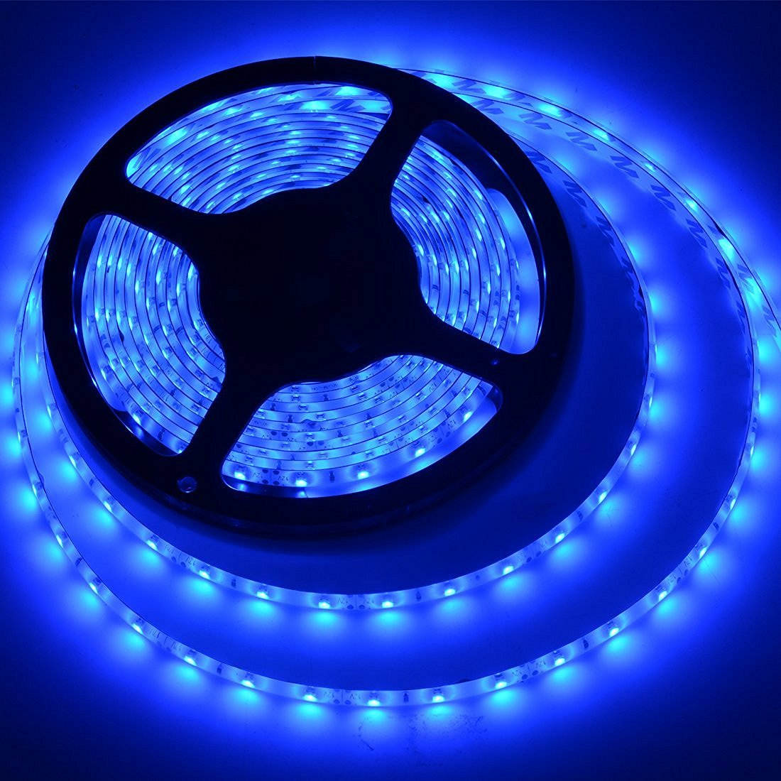 Amazon com meili led light strip smd 3528 16 4 ft 5 meter waterproof 300 leds 12v flexible rope light no power supply blue home improvement
